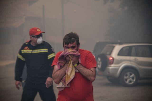 Εύβοια: Εκκενώνεται και ο οικισμός Σταυρός – Ασφαλείς οι κάτοικοι από Μακρυμάλλη και Κοντοδεσπότι | tovima.gr