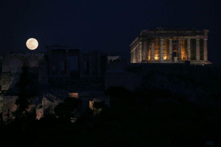 Η αυγουστιάτικη πανσέληνος στα μουσεία και τους αρχαιολογικούς χώρους της Ελλάδας | tovima.gr