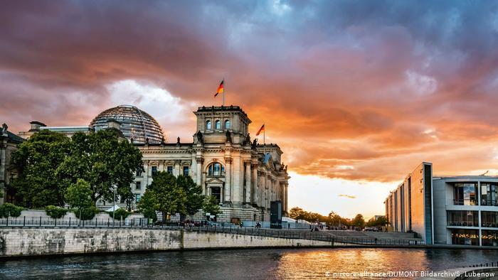 Ενόψει θερμού πολιτικού φθινοπώρου η Γερμανία | tovima.gr