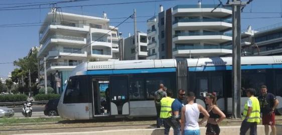 Αλιμος: 61χρονος παρασύρθηκε από τραμ | tovima.gr