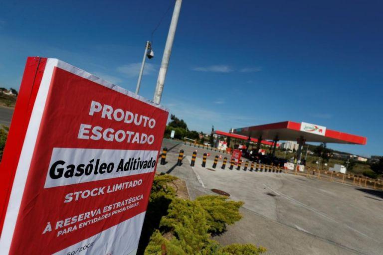 Πορτογάλοι οδηγοί «εισέβαλαν» στην Ισπανία προς εξεύρεση καυσίμων | tovima.gr