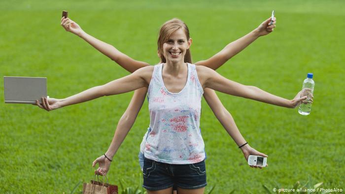 Deutsche Welle: Οι γυναίκες δεν είναι καλύτερες στο multitasking | tovima.gr