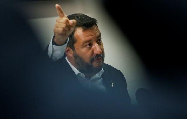 Ο αριβίστας Σαλβίνι οδηγεί την Ιταλία στα βράχια | tovima.gr