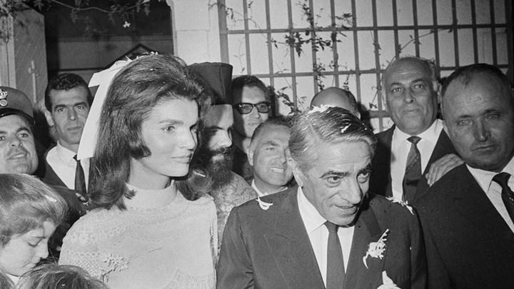 Ο «γάμος του αιώνα»: Ο Δ. Λιμπερόπουλος γράφει για το γάμο του Ωνάση με την Τζάκι Κένεντι | tovima.gr