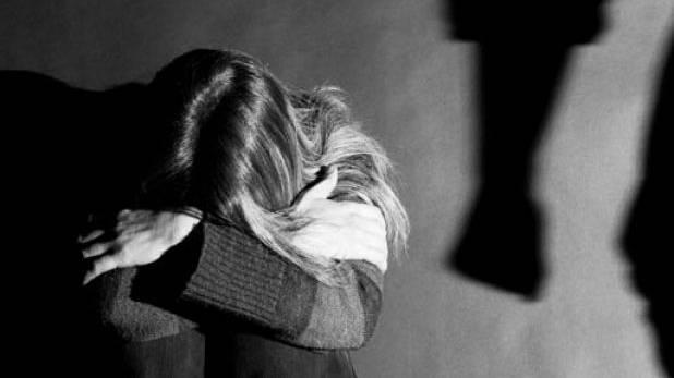 Σάλος στη Βρετανία για τον κατά συρροή βιαστή της Κέρκυρας που αποφυλακίστηκε | tovima.gr
