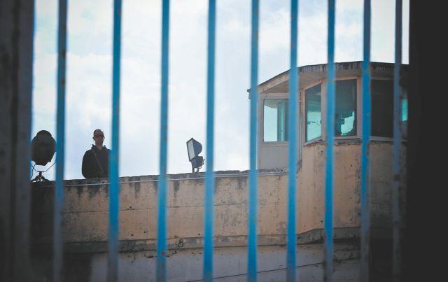 Αυτοκτόνησε φρουρός στις φυλακές Κορυδαλλού | tovima.gr