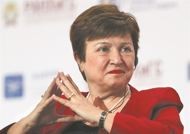 Στο χείλος μιας ακόμη ύφεσης η παγκόσμια οικονομία | tovima.gr