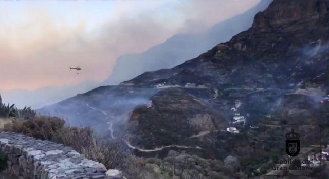 Γκραν Κανάρια – πυρκαγιά: Οριοθετήθηκε αλλά συνεχίζει να καίει | tovima.gr