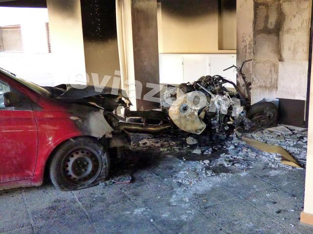 Χαλκίδα: Μεγάλη φωτιά σε πυλωτή πολυκατοικίας – Στις φλόγες τα οχήματα   tovima.gr