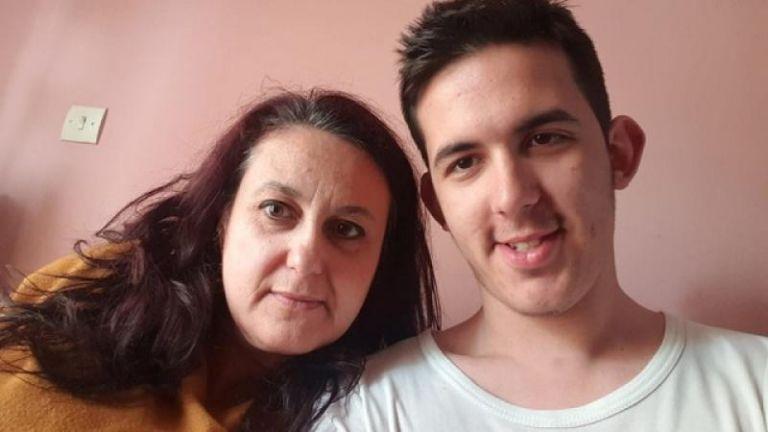 Πανελλαδικές 2019 : Πρωτιά για 44χρονη, μητέρα 4 παιδιών | tovima.gr