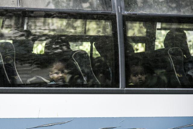Δεν είναι οι πρόσφυγες στα Εξάρχεια το πρόβλημα! | tovima.gr