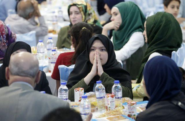 Ερντογάν: Με πρόσχημα τους πρόσφυγες εκβιάζει και πάλι   tovima.gr