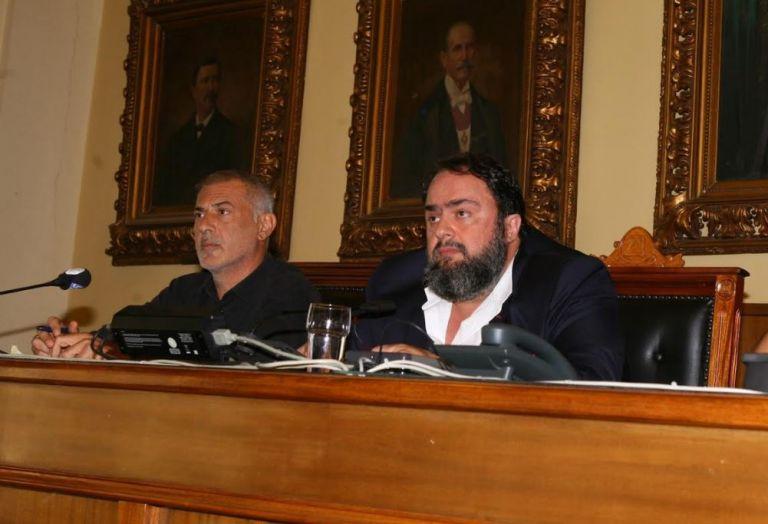Εκλέχθηκε το προεδρείο του Δημοτικού Συμβουλίου Πειραιά, πρόεδρος ο Παναγιώτης Αβραμίδης | tovima.gr