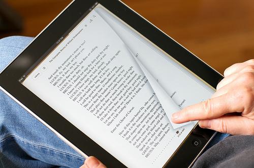 Οι κίνδυνοι από τα ηλεκτρονικά βιβλία και συγγράμματα | tovima.gr