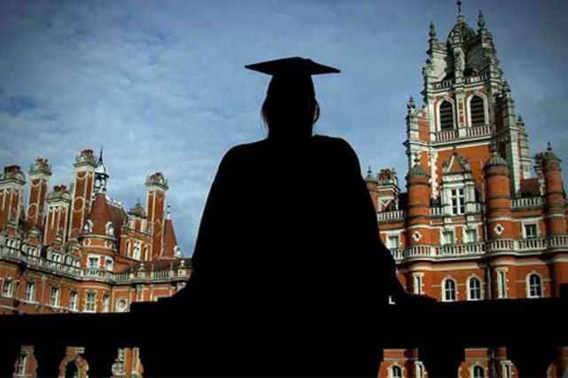 Βρετανία: Διετής παραμονή στους ξένους φοιτητές μετά την αποφοίτηση | tovima.gr