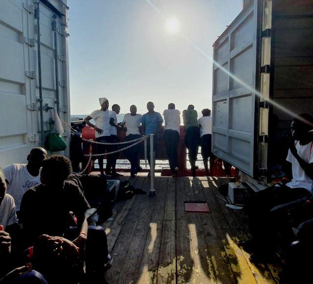 Ιταλία : Πράσινο φως στο Ocean Viking να αποβιβάσει στη Λαμπεντούζα | tovima.gr