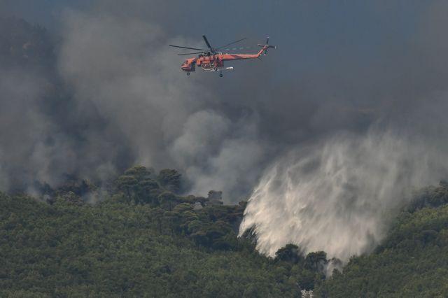 Λουτράκι: Μαίνεται η πυρκαγιά | tovima.gr