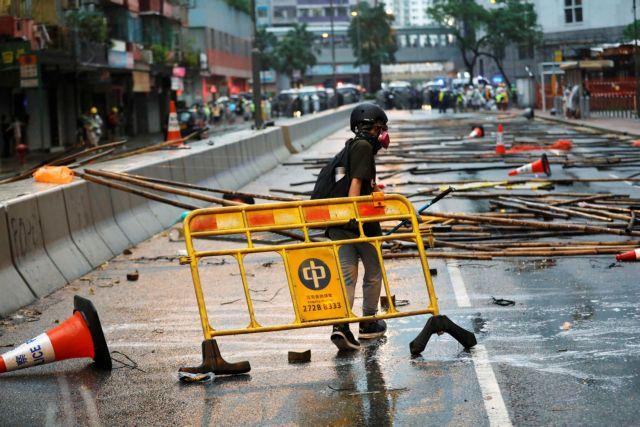 Χονγκ Κονγκ : Βοήθεια από το Λονδίνο ζητούν οι διαδηλωτές – Νέες βίαιες συγκρούσεις με τις Αρχές   tovima.gr