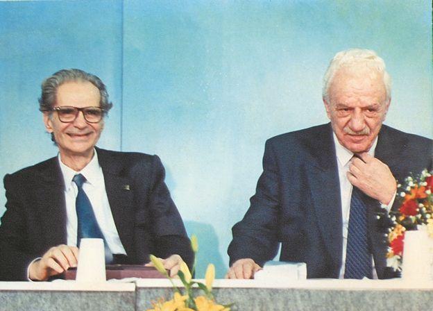 Η διάσπαση του ΚΚΕ το '91και οι αυταπάτες για τον Χαρίλαο | tovima.gr