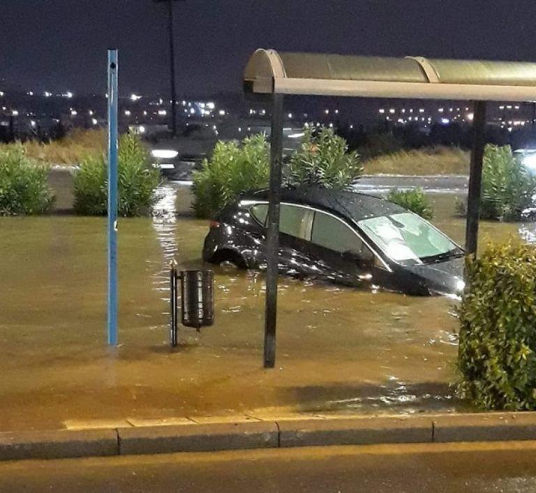 Θεσσαλονίκη: Ποτάμια οι δρόμοι από την έντονη βροχόπτωση   tovima.gr