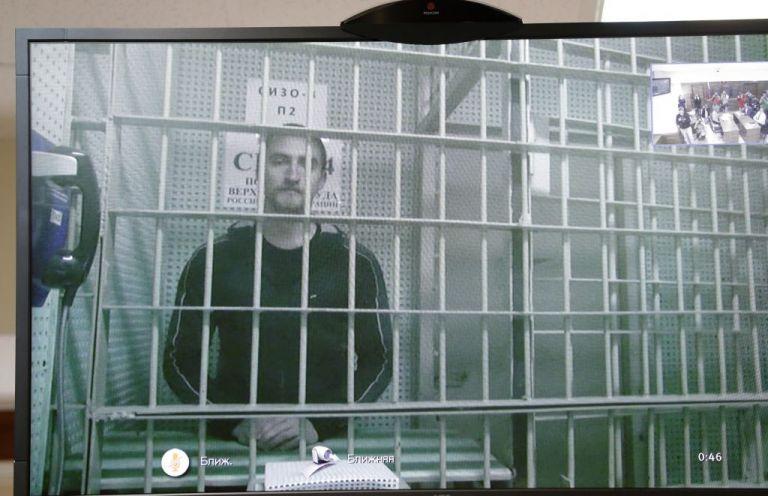 Ελεύθερος ο ηθοποιός Πάβελ Ουστίνοφ που είχε καταδικαστεί για επίθεση σε αστυνομικό | tovima.gr