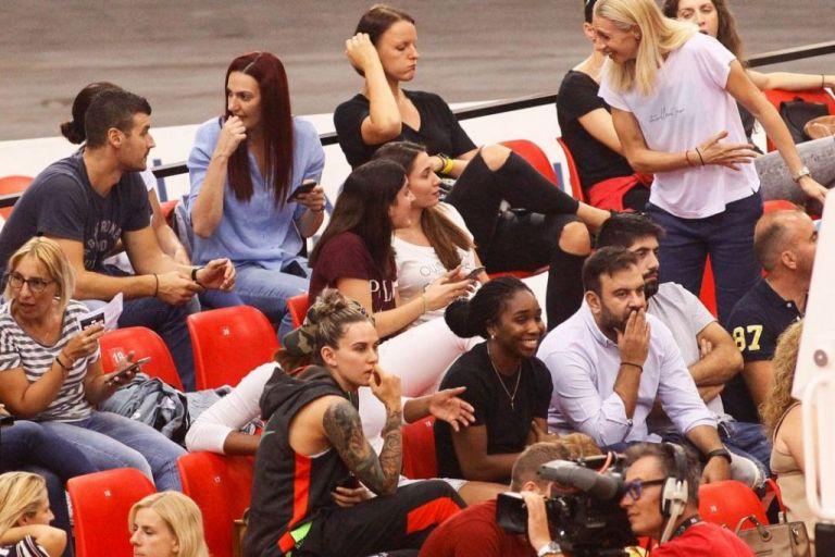 Στο ΣΕΦ και τα κορίτσια του Ολυμπιακού | tovima.gr