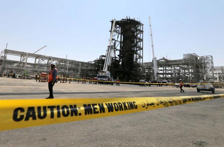 Σαουδική Αραβία: Εκπρόσωποι των ΜΜΕ στις πληγείσες πετρελαϊκές εγκαταστάσεις | tovima.gr