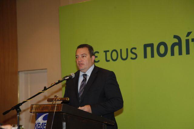 Ο Στυλιανίδης προτείνεται για πρόεδρος της Επιτροπής Αναθεώρησης του Συντάγματος | tovima.gr