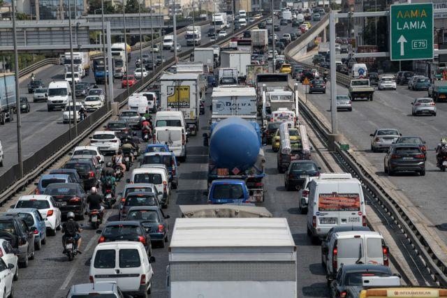 Κίνητρα προς αντικατάσταση των παλαιών οχημάτων εξετάζει η κυβέρνηση | tovima.gr