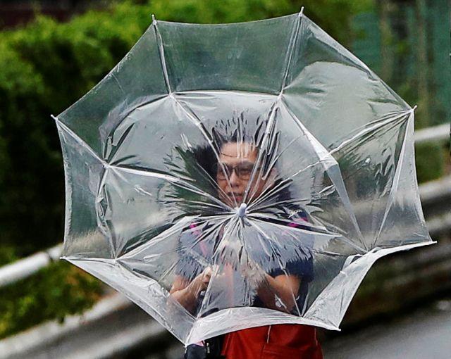 Ιαπωνία: Απειλή από τον τυφώνα Τάπαχ – Ακυρώθηκαν πτήσεις | tovima.gr