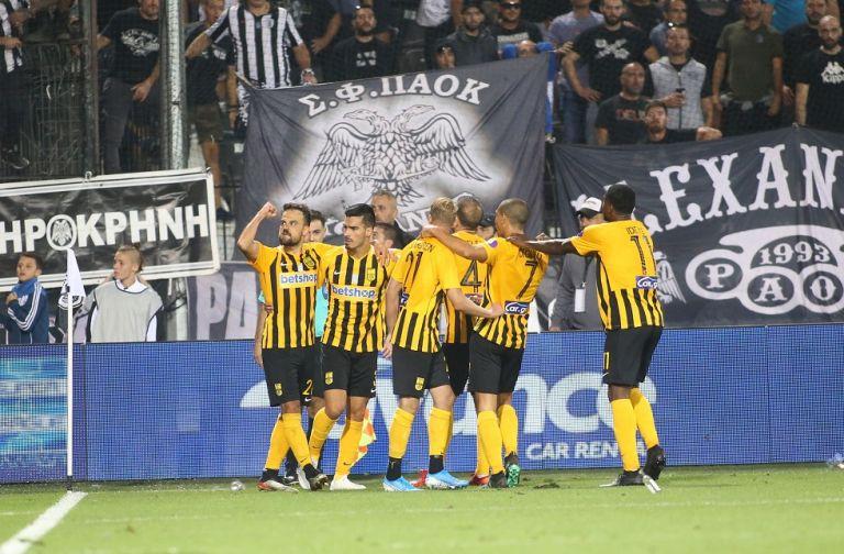 Οπαδοί του ΠΑΟΚ εισέβαλαν μετά το 1-2 στην Τούμπα! (vid) | tovima.gr