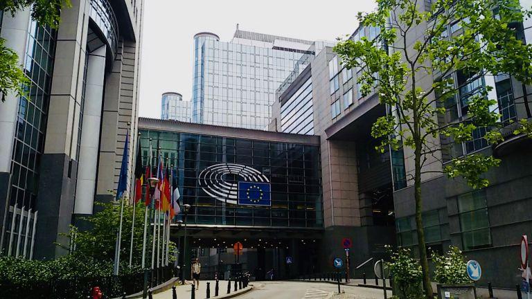 Διεθνής Διαφάνεια : Πλουσιοπάροχες αμοιβές ευρωβουλευτών εκτός Ευρωβουλής | tovima.gr