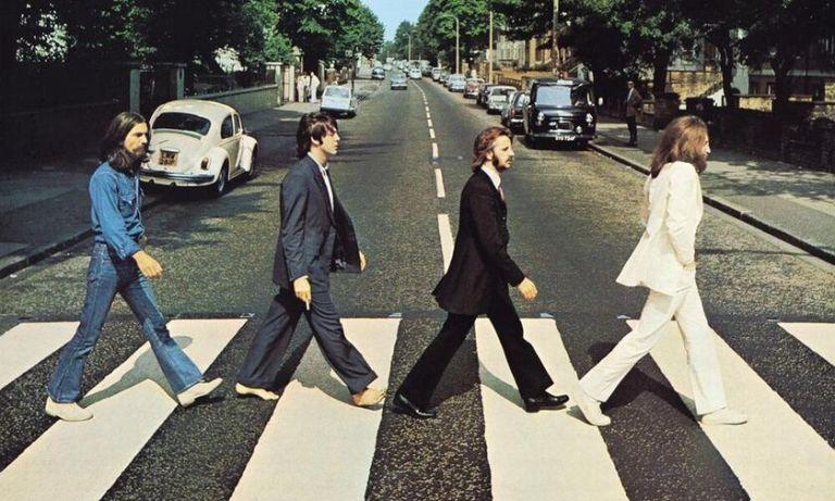 Οι Beatles, 50 χρόνια μετά, περπατούν και πάλι, στην Abbey Road   tovima.gr