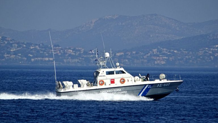 Πάνω από ένας τόνος ναρκωτικών σε σπηλιά ανοιχτά της Αλοννήσου | tovima.gr