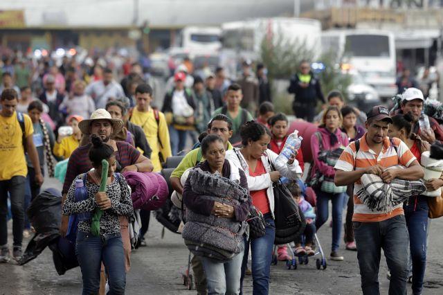 Ο Τραμπ «σταματά» τους μετανάστες που δεν έχουν υγειονομική περίθαλψη | tovima.gr