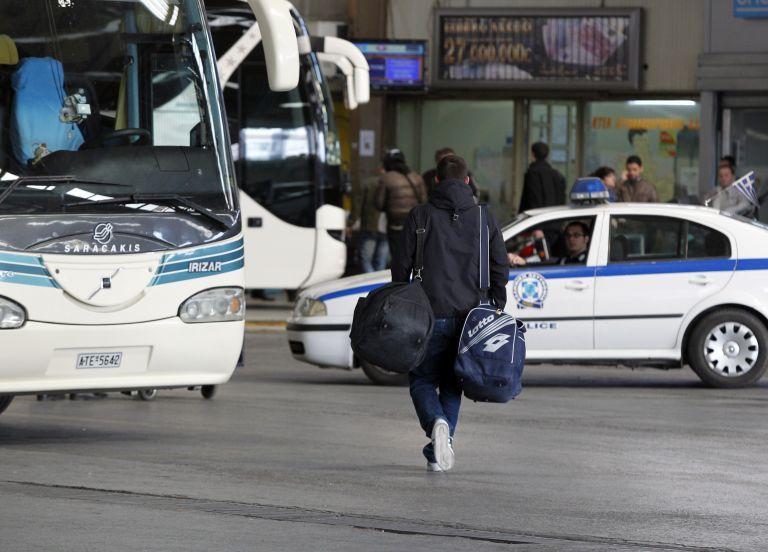 Επίθεση με πέτρες σε λεωφορείο στην E.O Αθηνών – Κορίνθου   tovima.gr