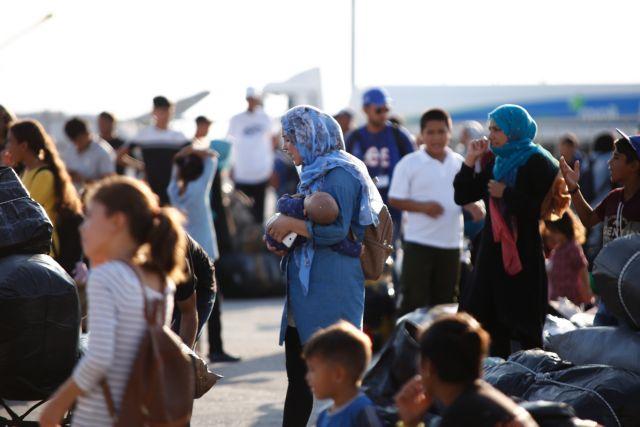 Αποσυμφόρηση στο προσφυγικό : Άλλοι 570 αιτούντες άσυλο αναχωρούν το απόγευμα από τη Μόρια   tovima.gr
