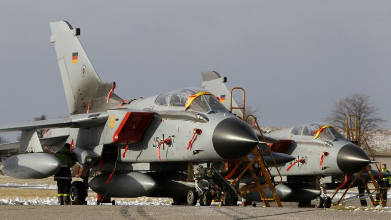 Συντριβή μαχητικού αεροσκάφους στη Γερμανία | tovima.gr