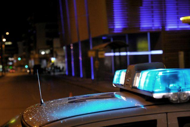 Επίθεση με μολότοφ στο αστυνομικό τμήμα Πεντέλης – 4 προσαγωγές | tovima.gr