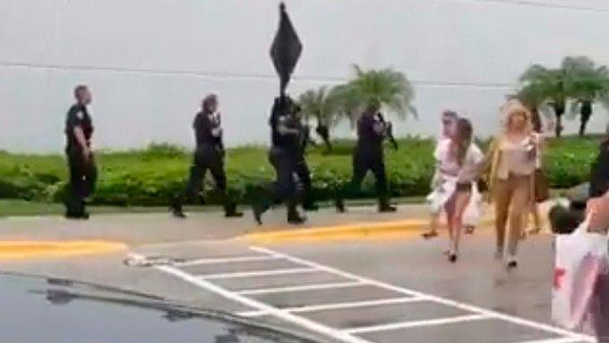 Φλόριντα: Ένας τραυματίας από πυροβολισμούς σε εμπορικό κέντρο | tovima.gr
