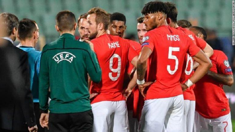 Παραλίγο να αποχωρήσει από το παιχνίδι με τους Βούλγαρους η Αγγλία   tovima.gr