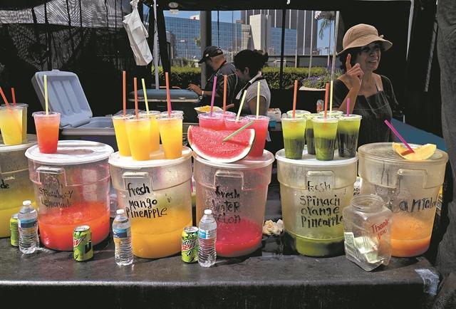 Απεταξάμην τα… πλαστικά μιας χρήσης – Τι προβλέπει το σχέδιο της κυβέρνησης | tovima.gr