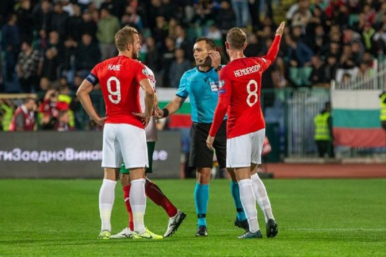 Βουλγαρία – Αγγλία : «Βολές» Χέντερσον κατά Μπαλάκοφ | tovima.gr