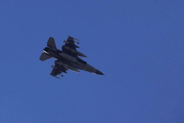 Παραβιάσεις στο Αιγαίο : Εμπλοκή τουρκικών F-16 με ελληνικά αεροσκάφη | tovima.gr