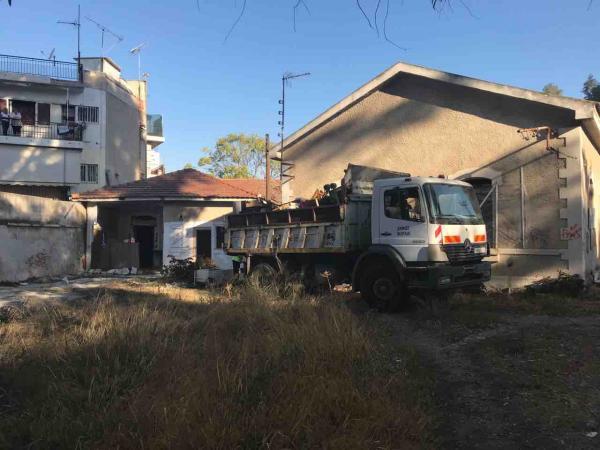 Δήμος Πειραιά : Απομακρύνθηκαν οι καταληψίες από το πρώην στρατόπεδο Παπαδογιώργη | tovima.gr