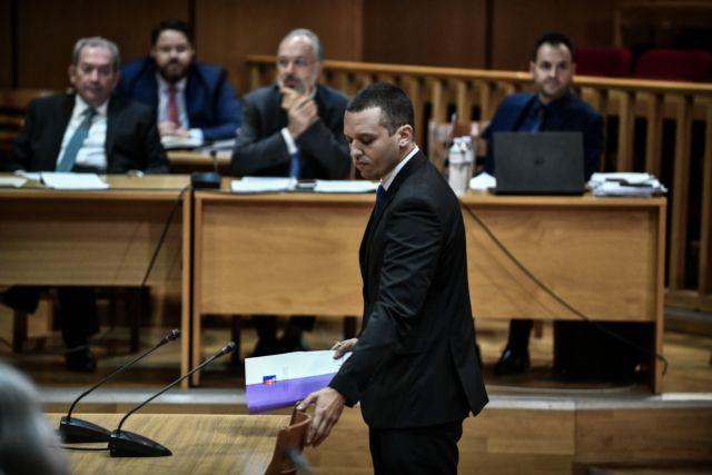Δίκη Χ. Α. : Στο εδώλιο ο Κασιδιάρης – Αντιφασιστική συγκέντρωση έξω από το Εφετείο | tovima.gr