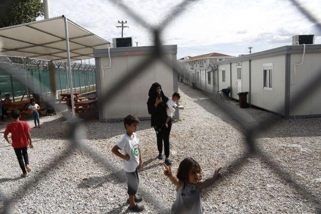 Αμυγδαλέζα: Υπό πλήρη έλεγχο η φωτιά στο κέντρο κράτησης προσφύγων   tovima.gr
