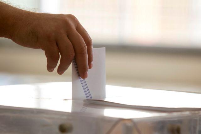 Ψήφος αποδήμων : Αισιόδοξος για ευρύτερες συναινέσεις ο Πέτσας | tovima.gr