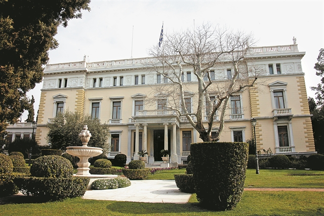 Προεδρική εκλογή : Ο Μητσοτάκης προτιμά γυναίκα… εκτός πολιτικής – Ποια ονόματα «παίζουν» | tovima.gr