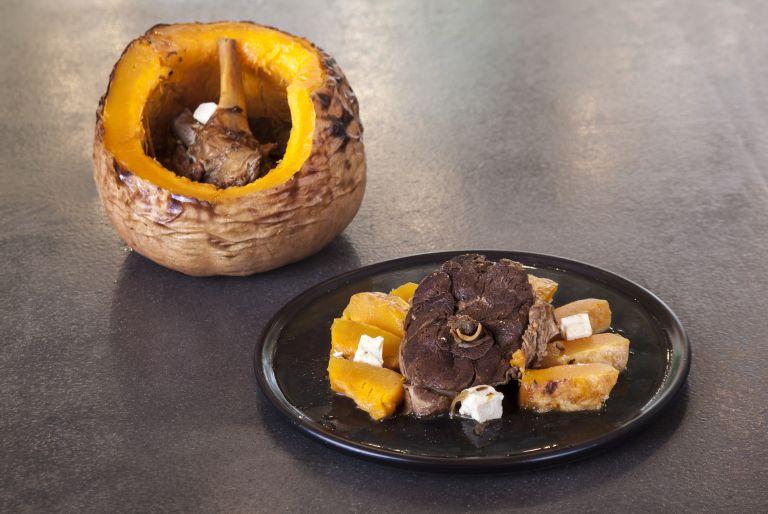 Αρνάκι με φέτα και ανατολίτικα μπαχαρικά | tovima.gr